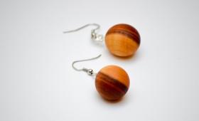 Ohrring aus Königsholz